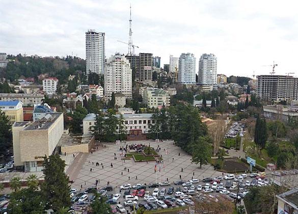 Площадь у Администрации города Сочи