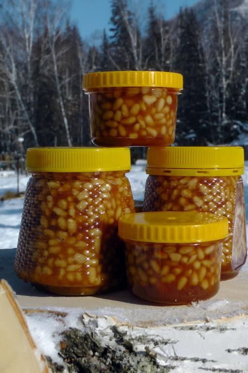 орешки в мёде 100г
