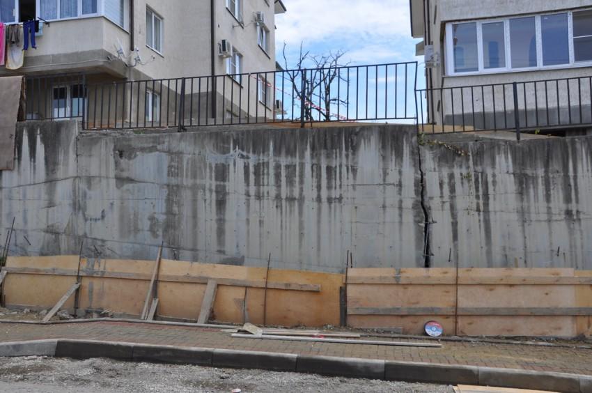 Самовольное строительство подпорной стены