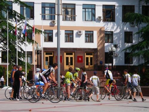 велосипедисты в Сочи