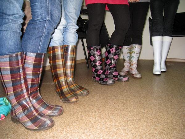 Девушки в грязных сапогах фото 407-623