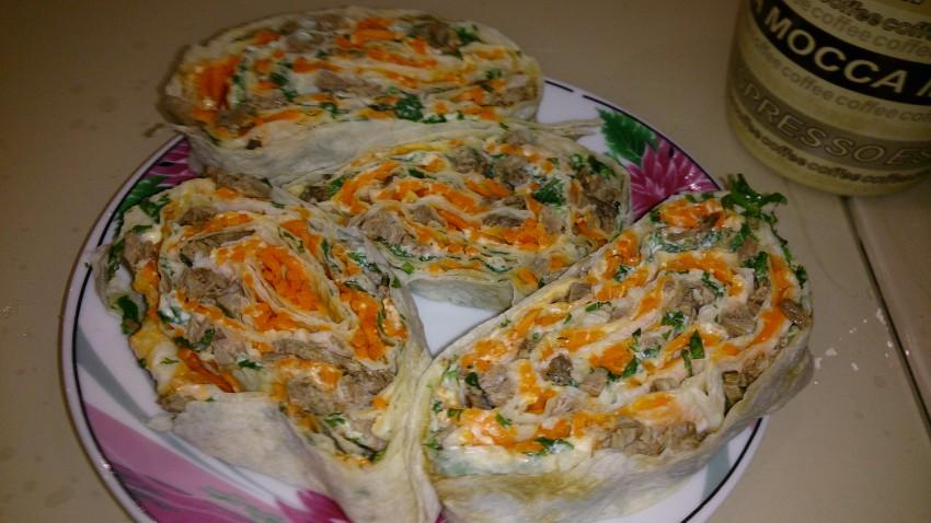 Рулетики из лаваша с морковью по корейски