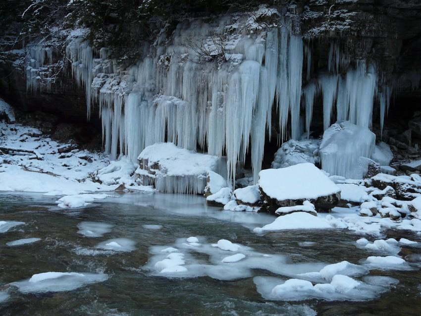 фото гуамское ущелье зимой