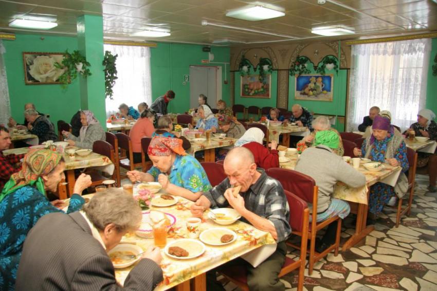 Картинки по запросу бедные старики в доме для престарелых картинки