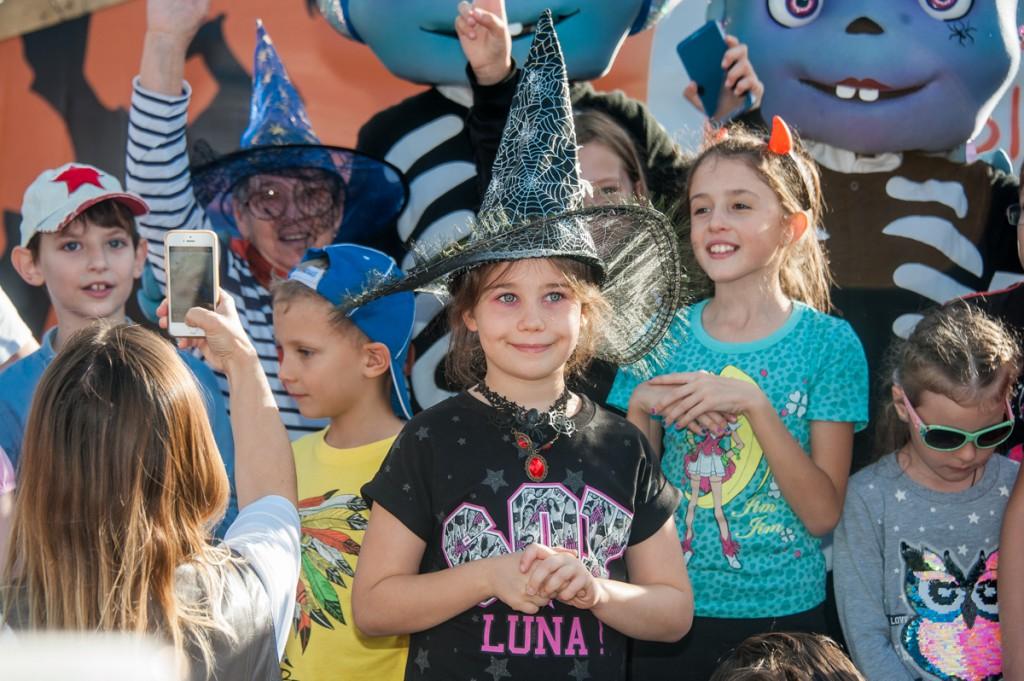 Гости в тематических костюмах посетят Сочи Парк со скидкой