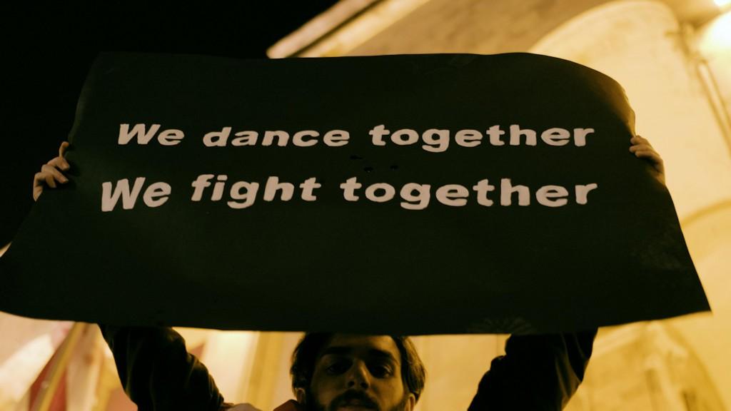 «Raving Riot: Рейв у парламента» КИНО ОККО