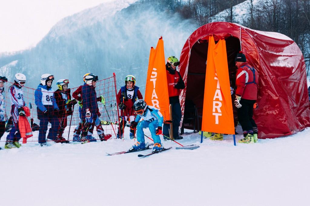 На Курорте Красная Поляна в День снега прошло Первенство города Сочи по горнолыжному спорту