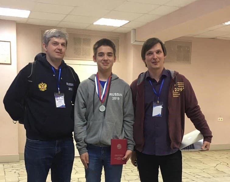 Учащийся сочинской гимназии № 8 завоевал золотую медаль на международной олимпиаде по математике
