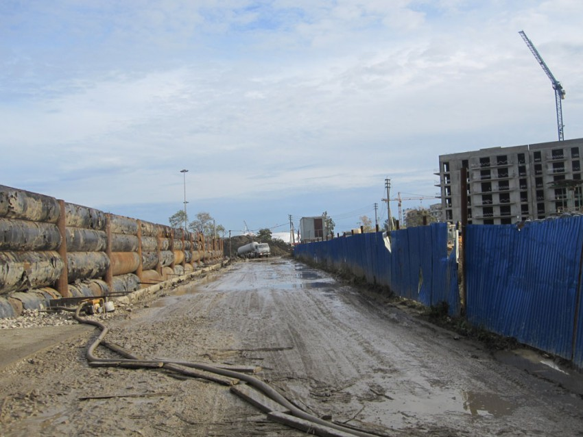 Стройка завода.