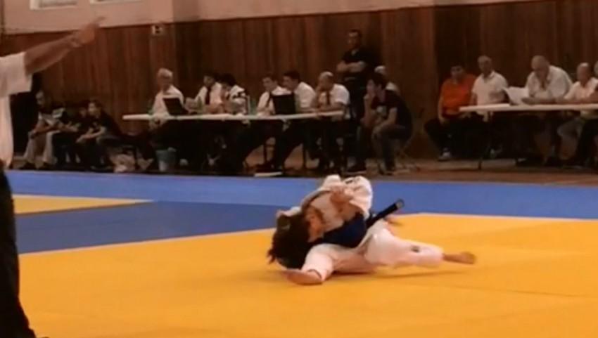 В атаке серебряный призер Кристина Карекян