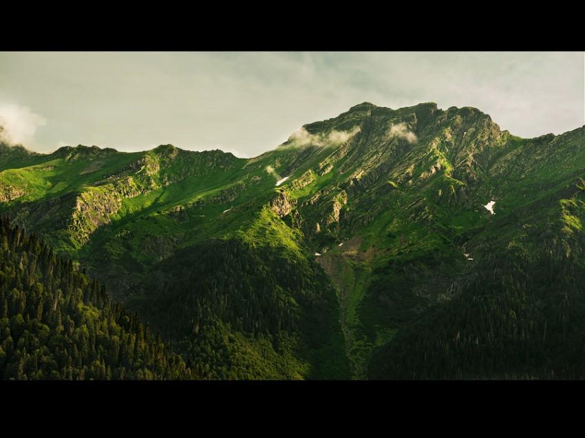 Горы которые видны с Рицы
