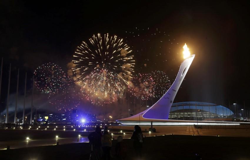 олимпийский факел сочи 2014 фото