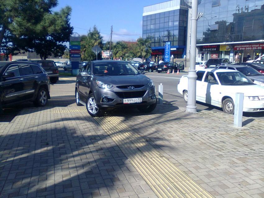 Парковка на тротуаре - т999ео93