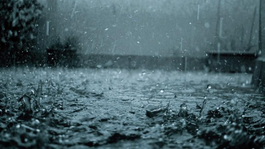 Девочки голые гуляют под дождем фото 613-410