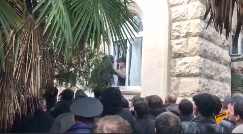 Штурм администрации президента в Абхазии
