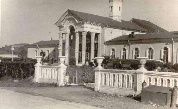 Здание аэровлкзала. (начало 60-х)