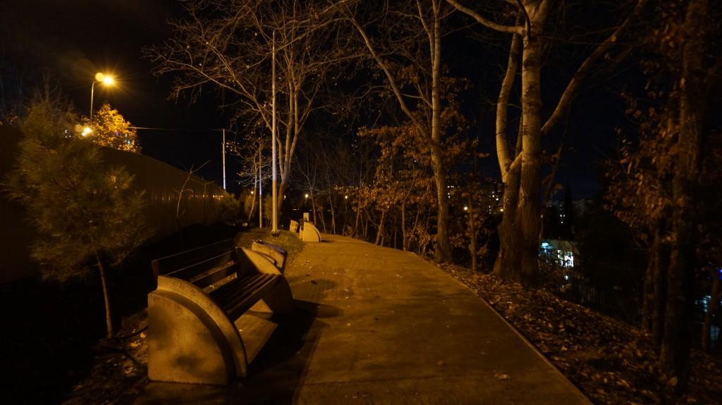 Неработающие фонари парка