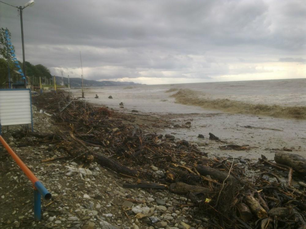 Наводнение и шторм в лазаревском