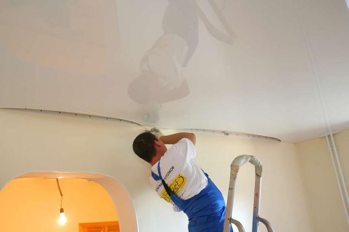 Натяжные потолки монтаж фото