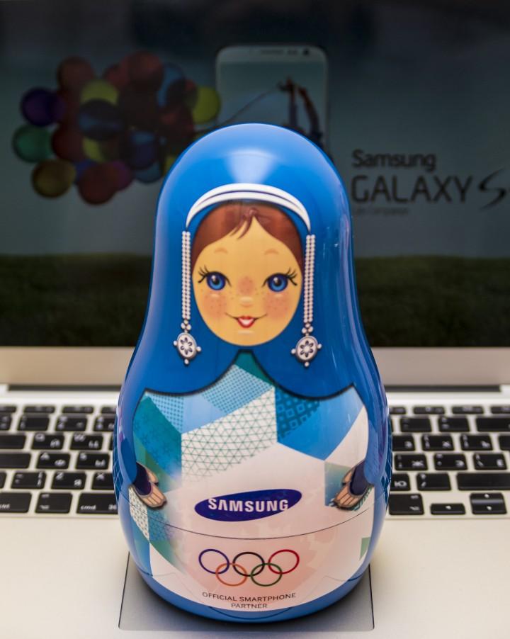 Продам зарядное устройство Samsung матрешка)