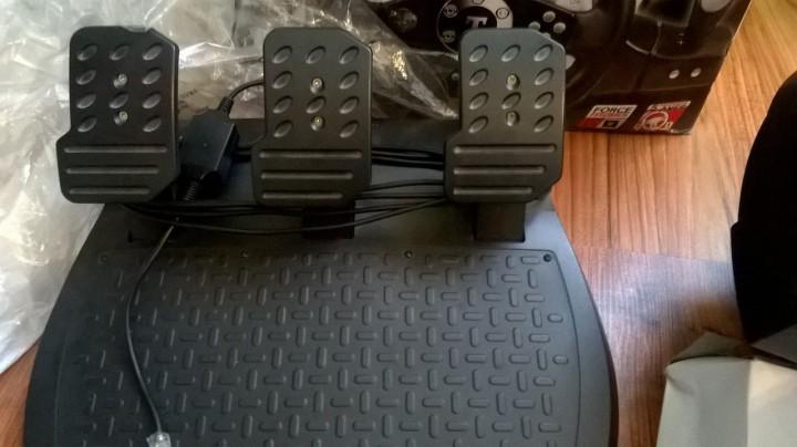 Руль ThrustMaster