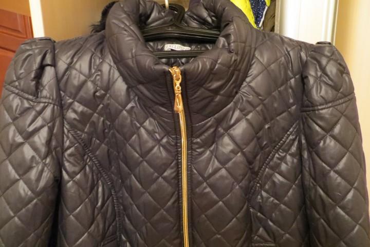 Куртка стёганная с кружевом,54 разм, очень красивая, новая.