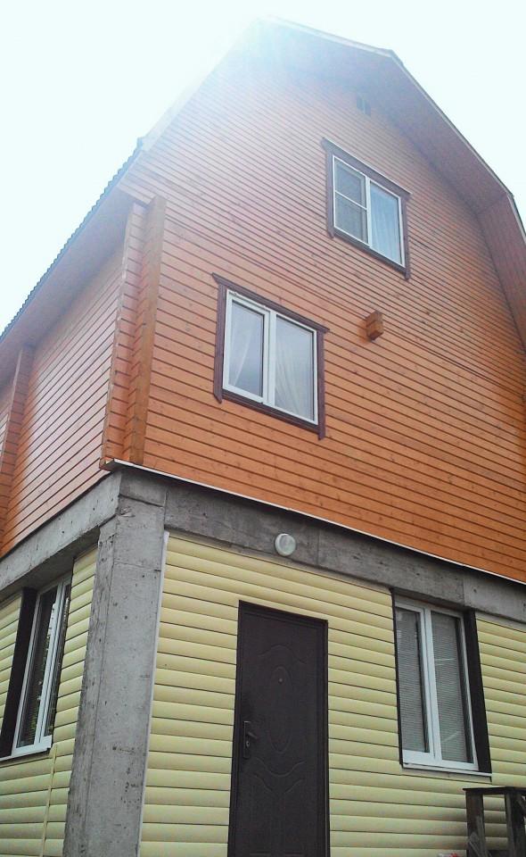 Продам 3-х этажный дом в с. Каштаны
