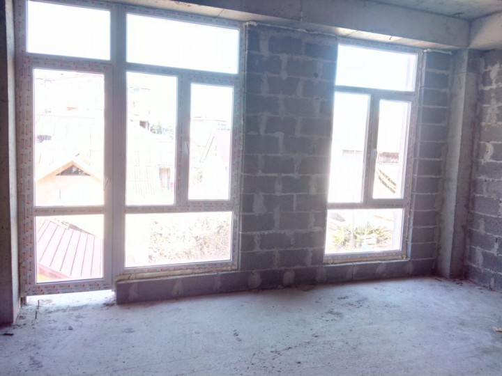 Продам 2-ух уровневую квартиру в центре Адлера