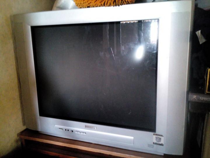 Телевизор Philips б/у продаю