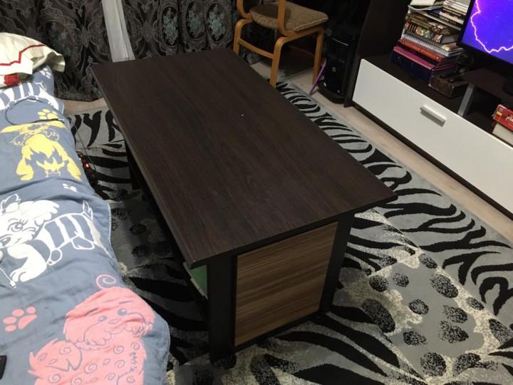 Стенка в гостиную с журнальным столиком
